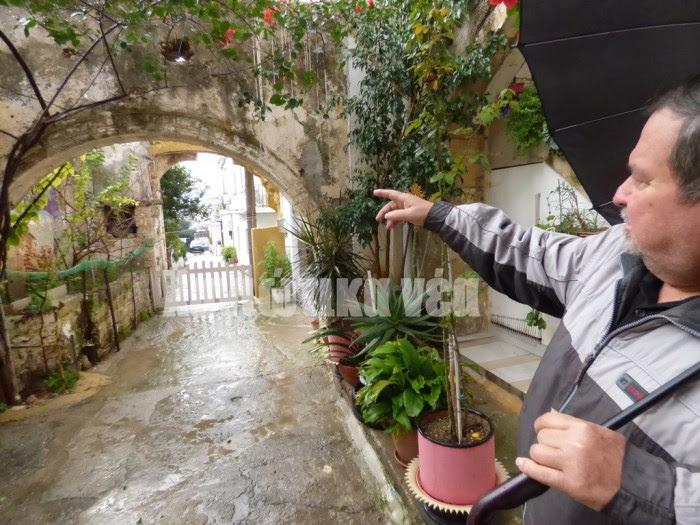 «Οι καμάρες παραμένουν εντυπωσιακές παρότι έχουν περάσει χρόνια» λέει ο κ. Γ. Τζελαϊλίδης  η οικογένεια του οποίου έχει ιδιοκτησία σε ένα μεγάλο μέρος του Μετοχιού