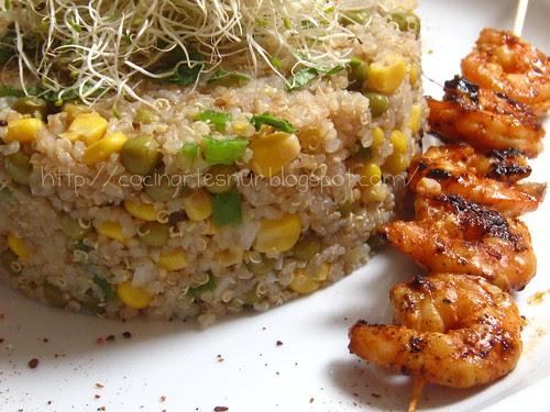 ensalada de quinoa con langostinos