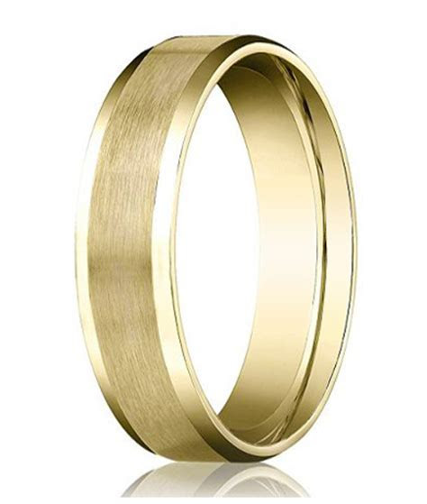 Comfort fit 18K Yellow Gold Wedding Band   4 mm Beveled