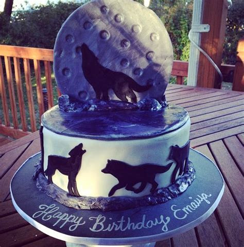 17 Best ideas about Wolf Cake on Pinterest   Puppy dog