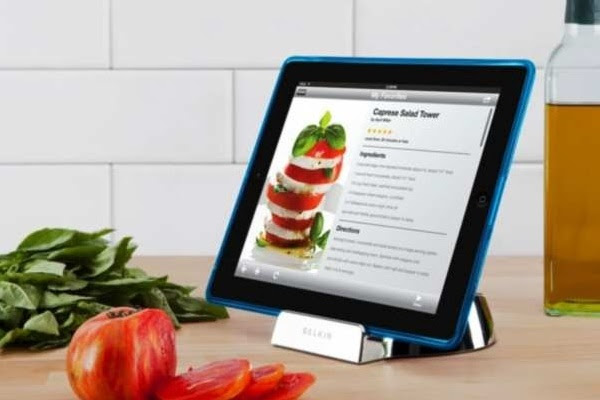 Belkin Chef Stand, Cooking with Your iPad | Baxtton