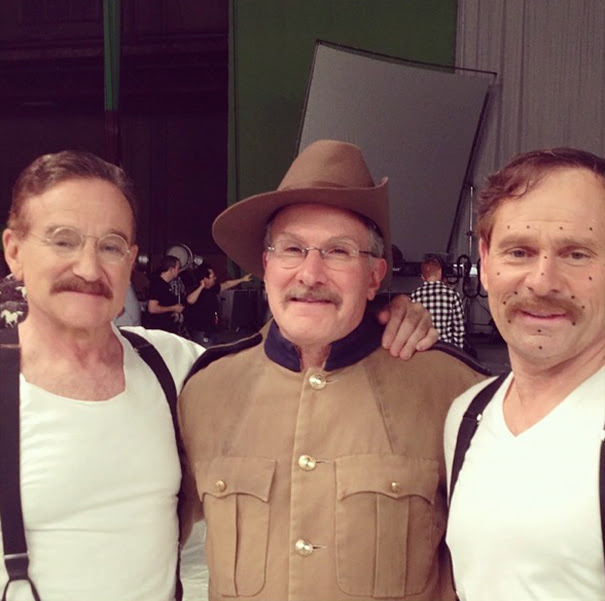 Robin Williams With His Stunt Double Mike Mitchell On The Set Of Night At The Museum 3