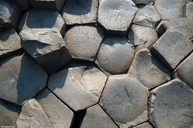 Hexagonal Disjunction of Basalts