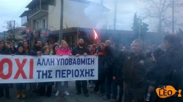 Θεσσαλονίκη: Βράζουν τα Διαβατά - Επίθεση στον δήμαρχο Δέλτα μετά την επέμβαση των ΜΑΤ στο στρατόπεδο!