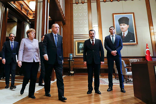 In Ankara, Merkel urges freedom of expression amid tense Turkish political scene