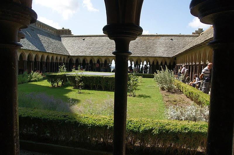 File:L'abbaye du Mont Saint-Michel.jpg