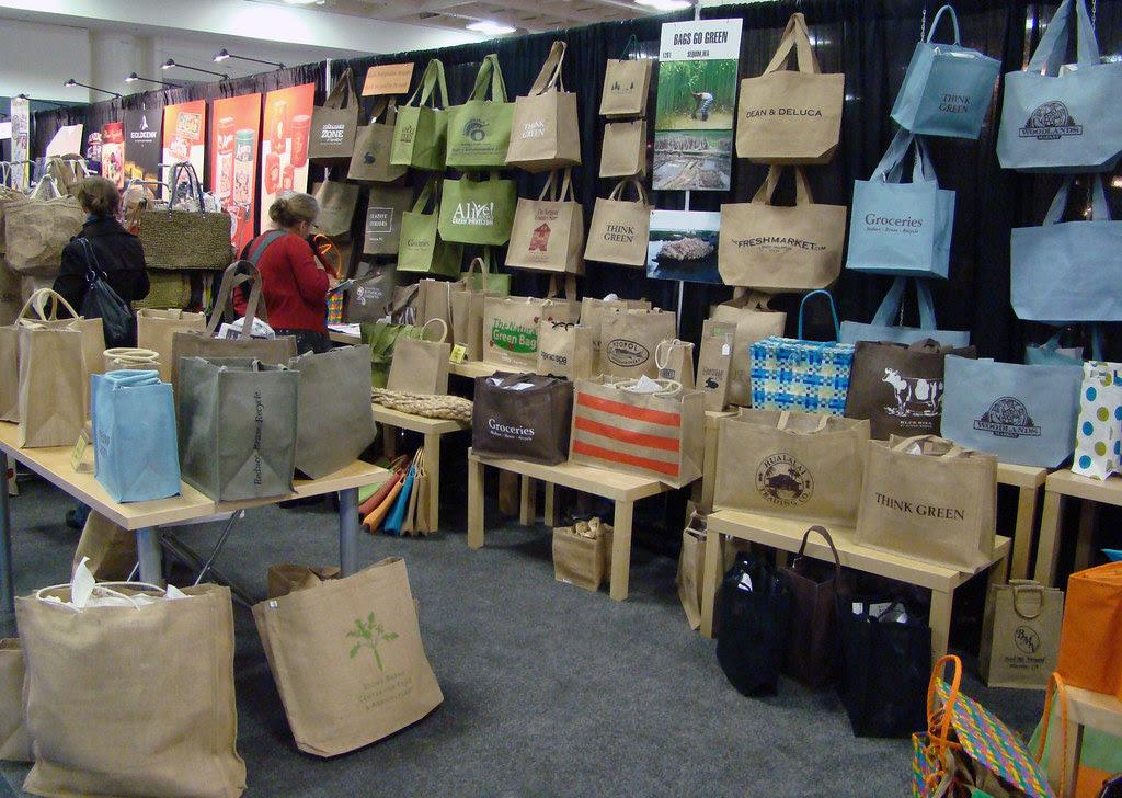 DSC04364 Bags Go Green