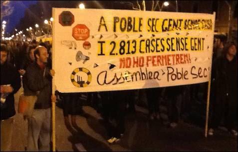 Pancarta que denuncia el stock de viviendas vacías en Barcelona. -MD