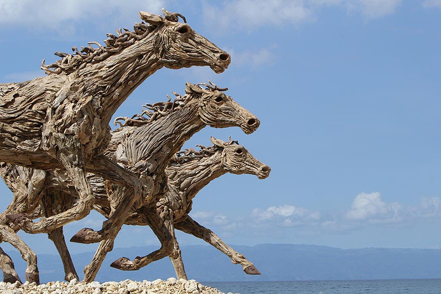 esculturas-criaturas-madera-deriva-james-doran-webb (20)