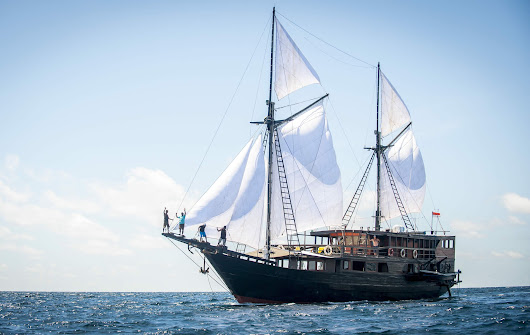 Indonesia Sailing Trips, Indonesia Adventure Tour Packages