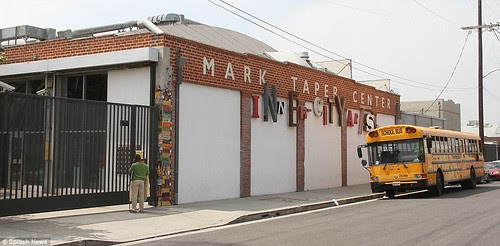 Royal snail  Kate races ahead with her painting at Inner-City Arts  campus whilst William is slow off the mark  16