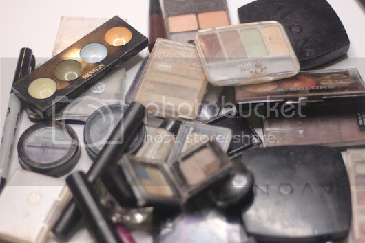 Makeup Collection Declutter: Eye products!