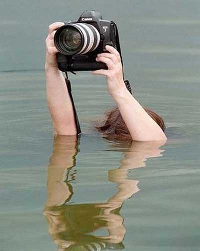 Untuk mendapat angel dan hasil foto terbaik Aksi Lucu Para Fotografer Demi Foto Terbaik