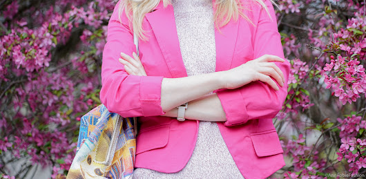 Spring color trend: Bright pink jacket, light blue jeans, purple suede heels - outfit for petite women