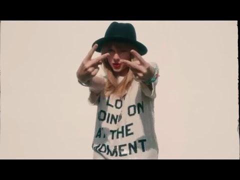 Taylor Swift x Ariana Grande - 22 Last Christmas