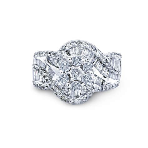 2 Cttw. Round 10K White Gold Diamond Cluster Engagement
