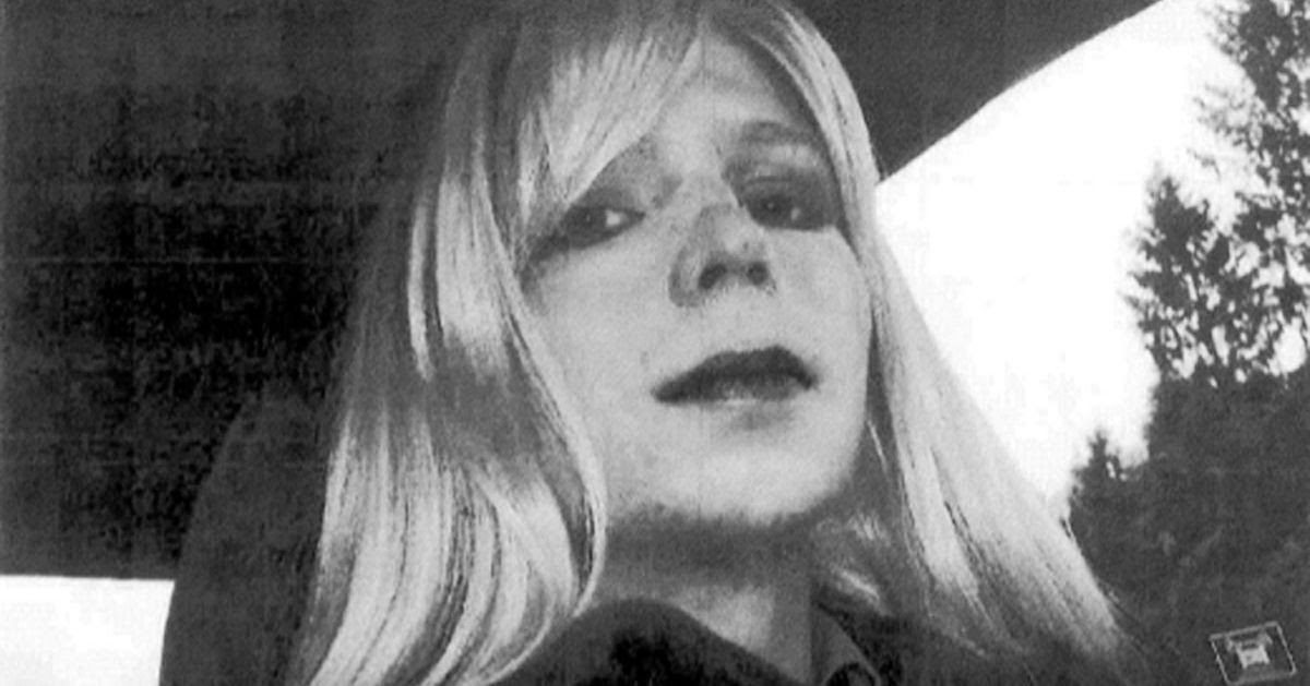 Chelsea Manning Calls on Obama to Commute Her Sentence