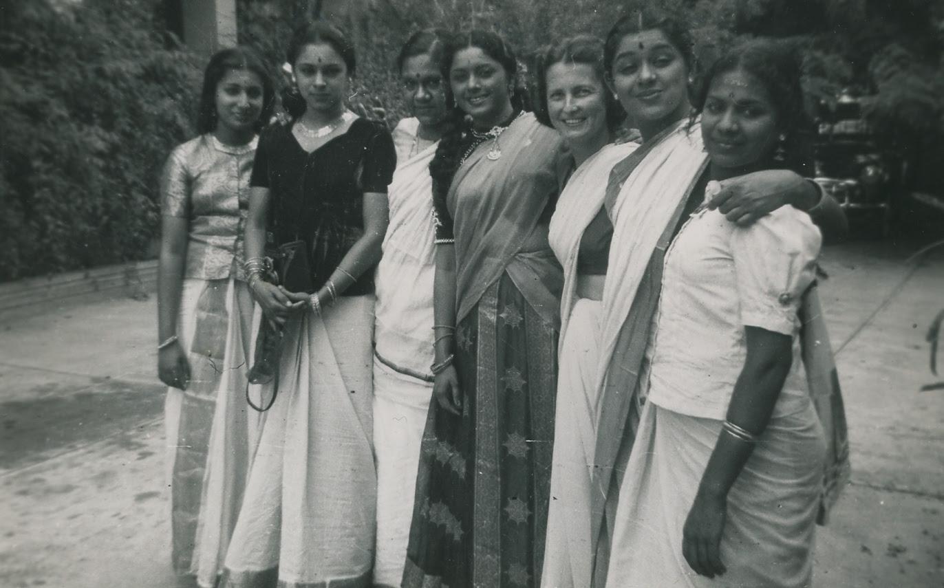 http://www.betsywoodman.com/wordpress/wp-content/uploads/2013/03/Ambika-Ragini-SaraswatiAma-Padmini-RRW-Lalitha-Sukumari.jpg
