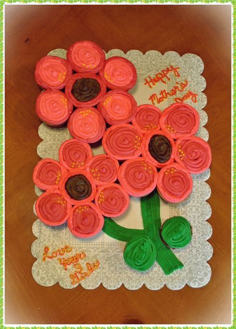 Best 25  Flower cupcake cake ideas on Pinterest   Flower