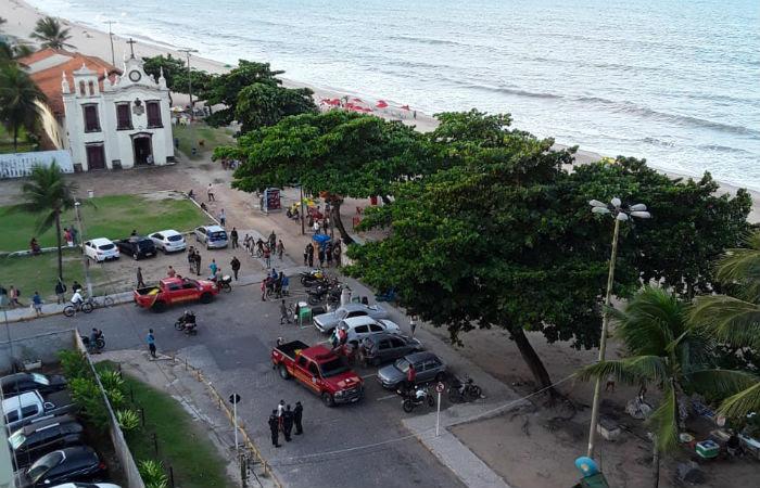 A região onde o ataque aconteceu é conhecida pelos incidentes envolvendo tubarões. O mais recente aconteceu em abril.