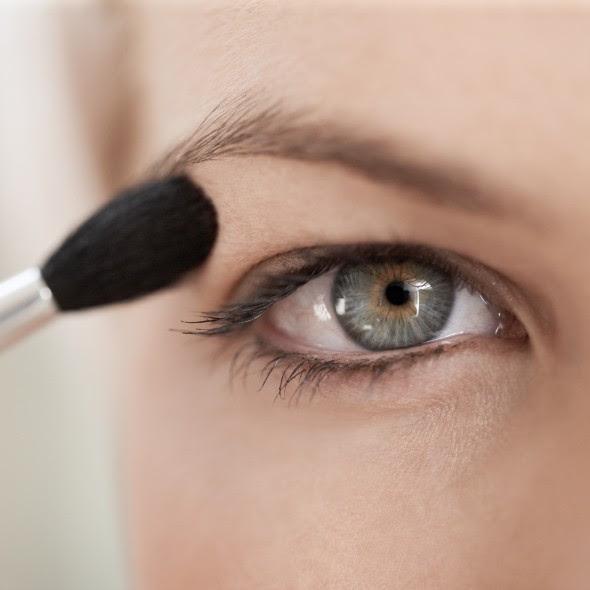 Easy One Eyeshadow Eye Makeup for Older Hooded Eyes – Midlife Rambler