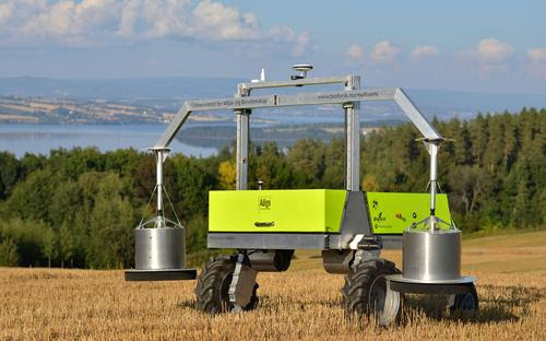 Top Robots for Farmers for 2016 | EE Times