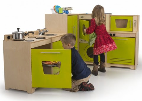 Whitney Brothers Contemporary Play Kitchen «