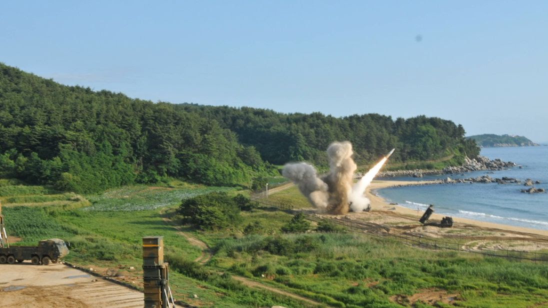 USA show military strength in Korean waters