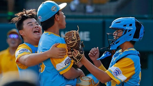 Hawaii beats Georgia, will face South Korea for Little League World Series championship http://ow.ly...