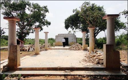 Vairavar temple destroyed in I'lavaalai
