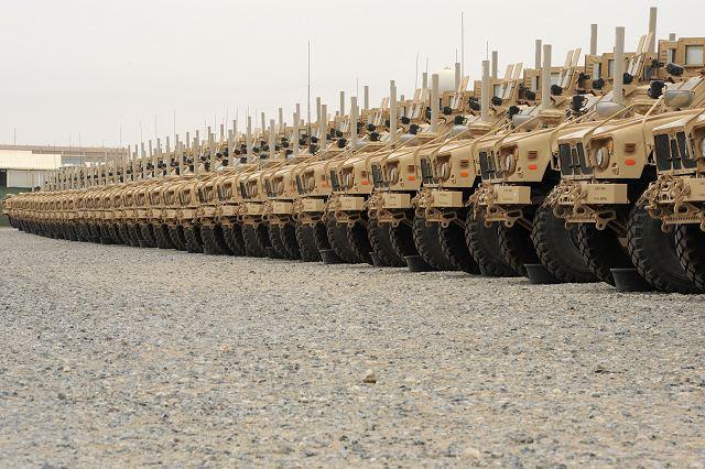 Las discusiones entre los funcionarios estadounidenses y paquistaníes han estado ocurriendo durante meses y se centran en equipos militares sobrantes que Estados Unidos no quiere pagar por el envío o volar a casa. Aunque se han tomado decisiones finales, Pakistán está particularmente interesado en (MRAP) vehículos protegidos emboscada del Ejército EE.UU. resistentes a las minas, que funcionarios del Pentágono dicen que tendrá un valor estratégico limitado mientras las fuerzas estadounidenses se retiren de Afganistán este año.