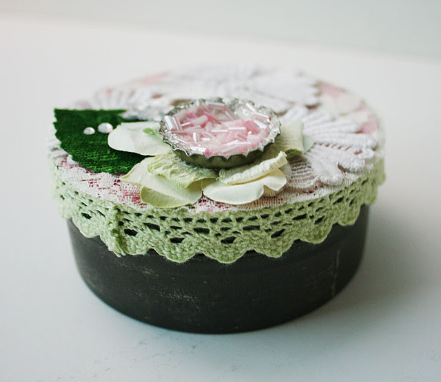 LESSology-bottlecap-altered-box