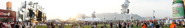 Imagem panorâmica mostra todas as opções que a Cidade do Rock oferece aos fãs (Foto: Glauco Araújo/G1)