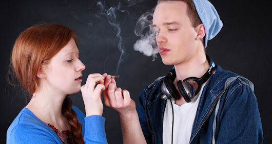 Smart schoolkids more likely to smoke cannabis