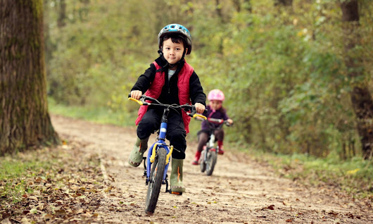 Risk is essential to childhood – as are scrapes, grazes, falls and panic | Kate Blincoe