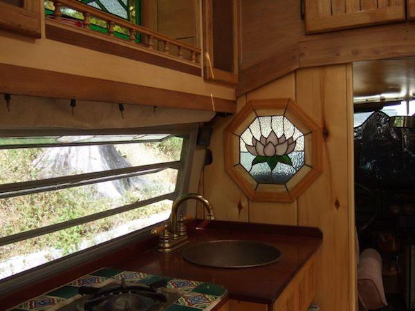 εσωτερικό μικροσκοπικό σπίτι vw λεωφορείο Tiny Σπίτι Λεωφορείο με Βιτρώ