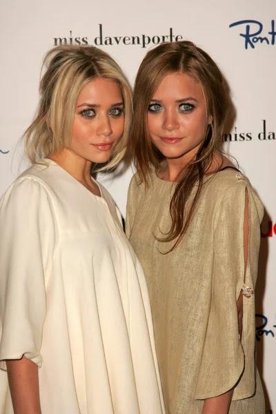 Ashley Olsen, Mary-Kate Olsen — Foto de Stock #16574723