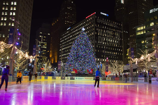 Top 5 'Must-See' Christmas Attractions in Metro Detroit - Awesome Mitten