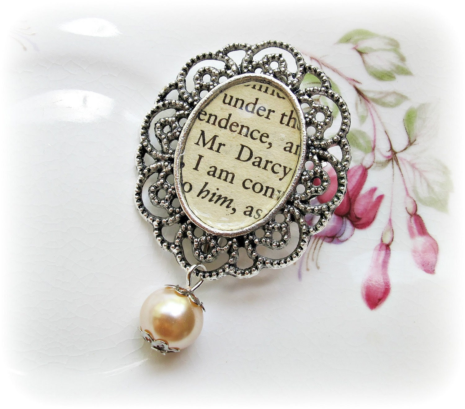 Brooch. Mr Darcy III Bridal. Jane Austen. Pride and Prejudice. Upcycled. Cameo. Bouquet Pin. Jewellery Pink Glass Pearl