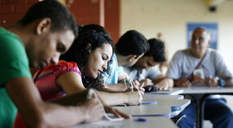 Para completar a justificativa, o cidadão deve comprovar o que o impediu de votar - Foto: Raul Spinassé | Ag. A TARDE