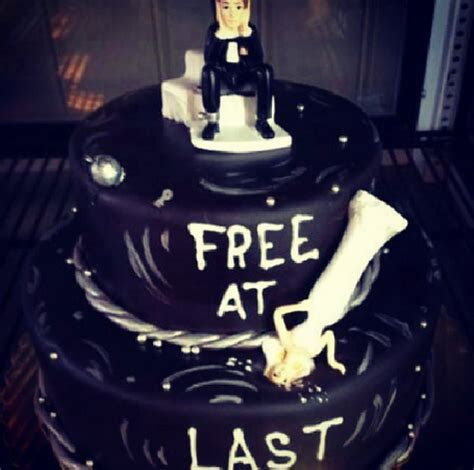 Divorce Cake Is The Most Ridiculous Thing We've Seen All