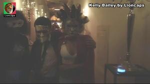 Kelly Bailey sensual na novela A Prisioneira