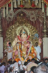Lalbagh Chya Raja ..Wants Poriborton In Maharashtra Too by firoze shakir photographerno1