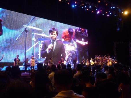 It looks like Hannah Yeoh on stage during Subang Jaya City Harvest Church building launch