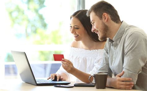 Using your credit card to pay for your wedding? 4 things