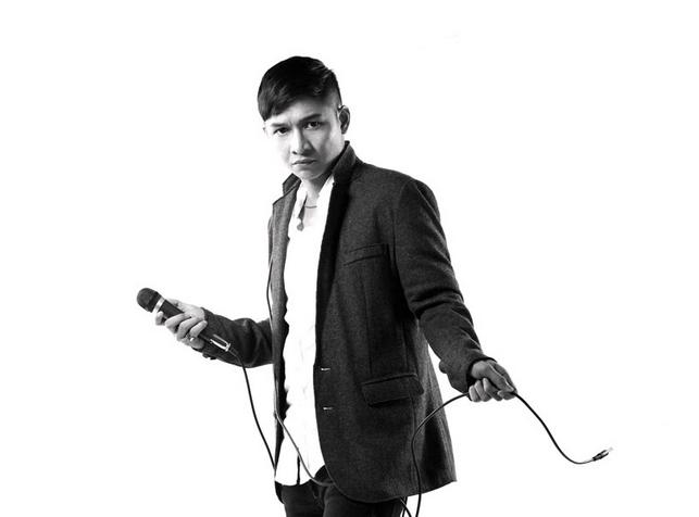 Pasha, vokalis Band Ungu dan salah satu artis yang mencalonkan diri dalam pilkada serentak 2015. Foto dari: unguband.com