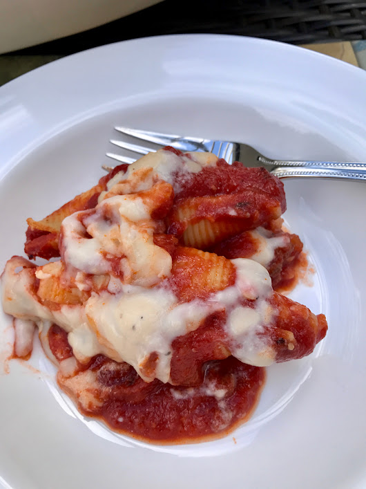 Extra Chessy Stuffed Shells #SundaySupper - Positively Stacey