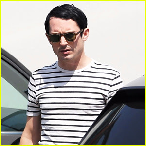 Elijah Wood Starts Filming 'Dirk Gently's Holistic Detective Agency' Season 2