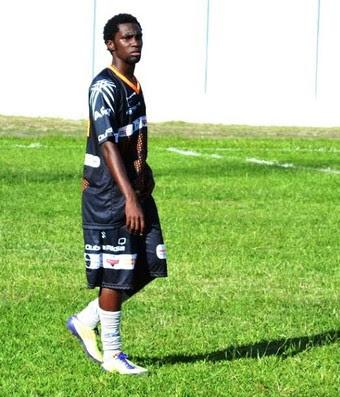 Negueba Flamengo (Foto: Arthur Costa/GloboEsporte.com)