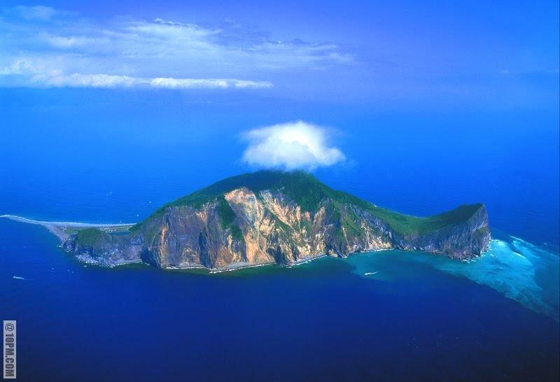 perierga.gr - Νησιά με παράξενα σχήματα εκπλήσσουν!